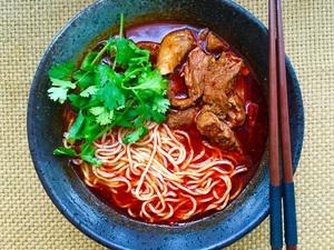 Sizchuan Beef Noodle Soup 川香牛肉汤面/粉  辣